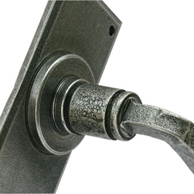 From The Anvil 33701 - Pewter Patina Avon Lever Latch on Backplate Set